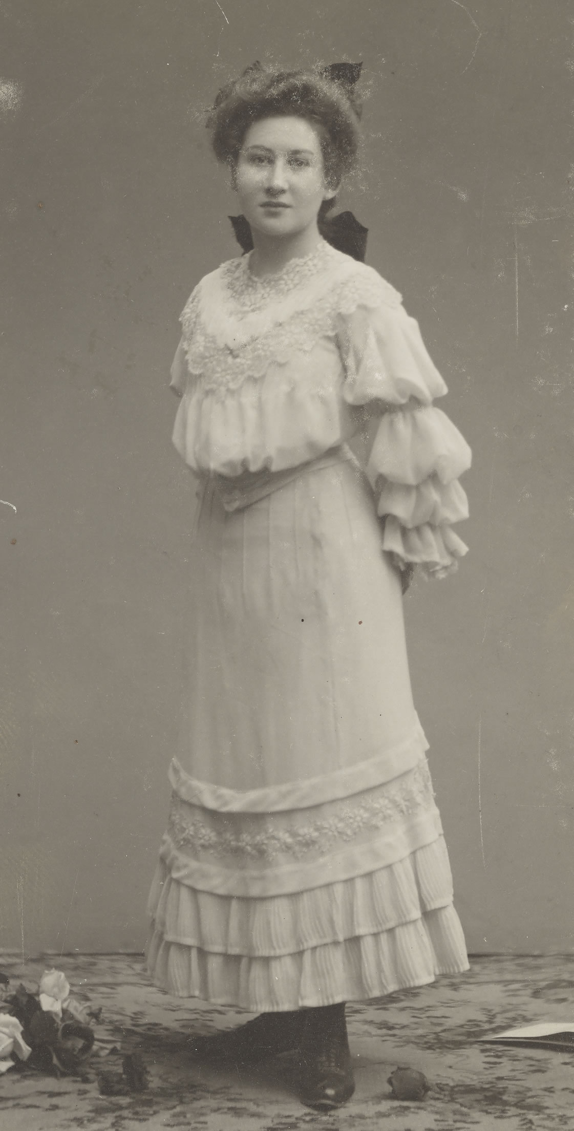 Emmy Esther Scheyer, Bad Homburg, 1905, Foto F. Carl, Getty Research Insitute, Peg Weiss Papers, 1916 - 1990