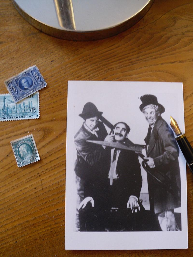 Marx Brothers »Scissors«, Ansichtskarte