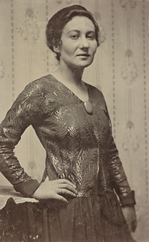 Emmy Esther Scheyer, Zürich, 1919, Getty Research Institute, Peg Weiss Papers, 1916-1990